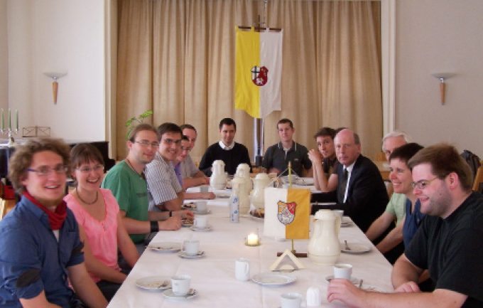 Erfahrungsaustausch, Bennofest und eine Fußfessel – Angehende Seelsorge-Fachkräfte des Bistums Dresden-Meißen trafen sich in Erfurt